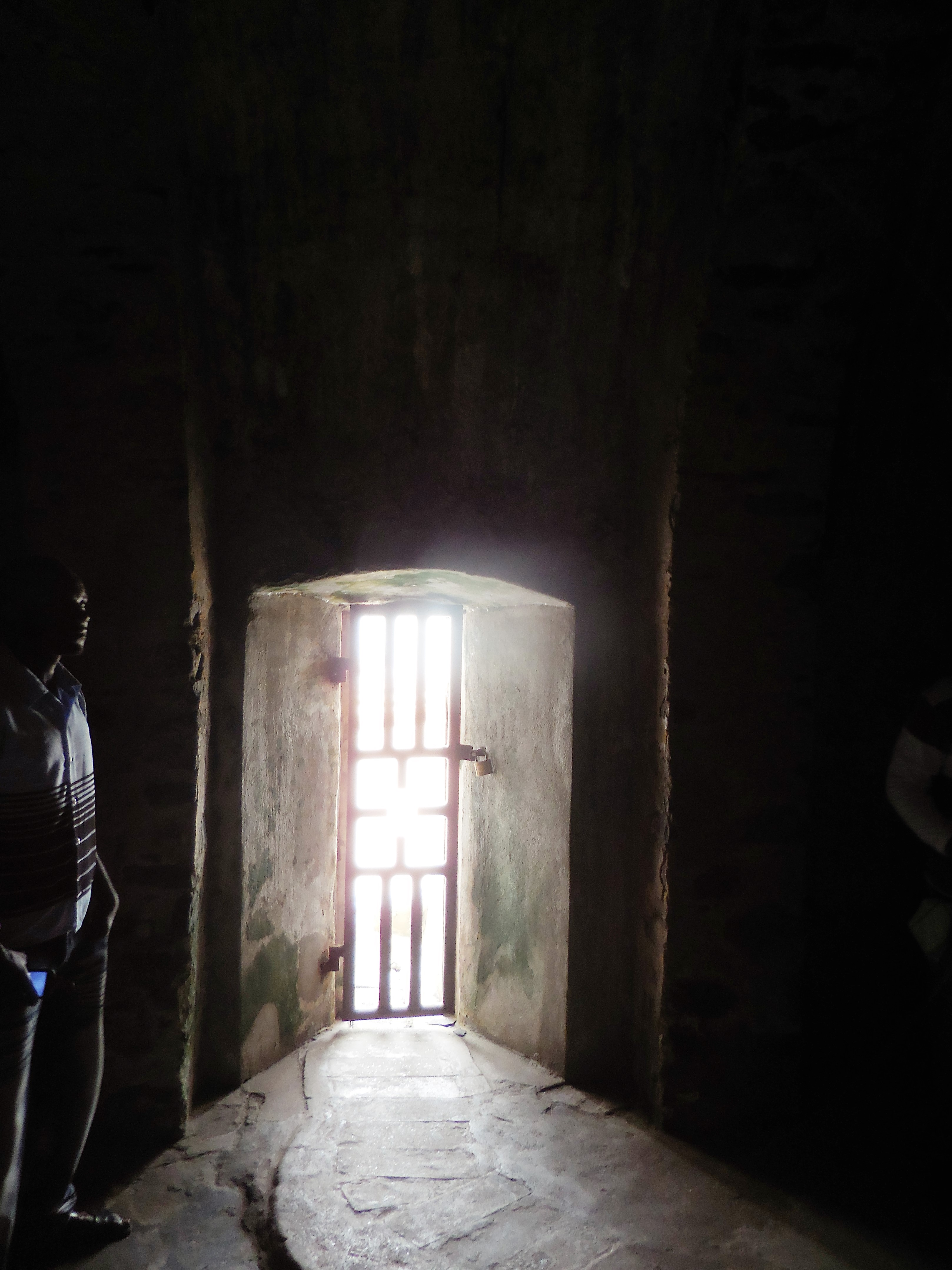 Elmina castle stewartroyceking for Door of no return