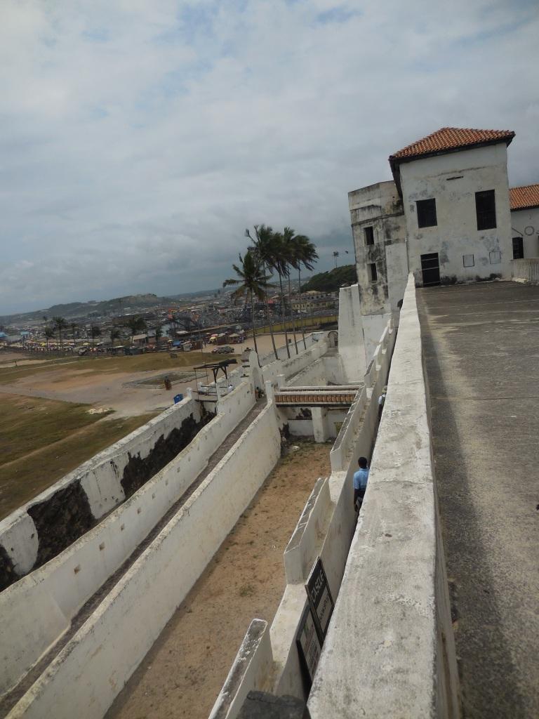 Elmina battlements 1