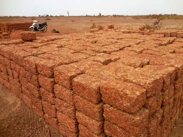 Bricks 640